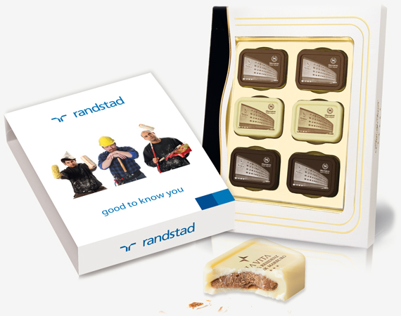 6-personalized-printed-pralines-in-a-giftbox-candypraline-per-6-candycard.jpg